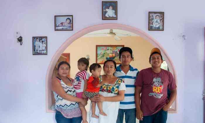 Familia Luis Teabo Guardian Ivan Gabaldon